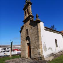 Dende a Asociación  instamos as administracións publicas súa rehabilitación, así como de uso que ten o antiga capela como recinto se uso social